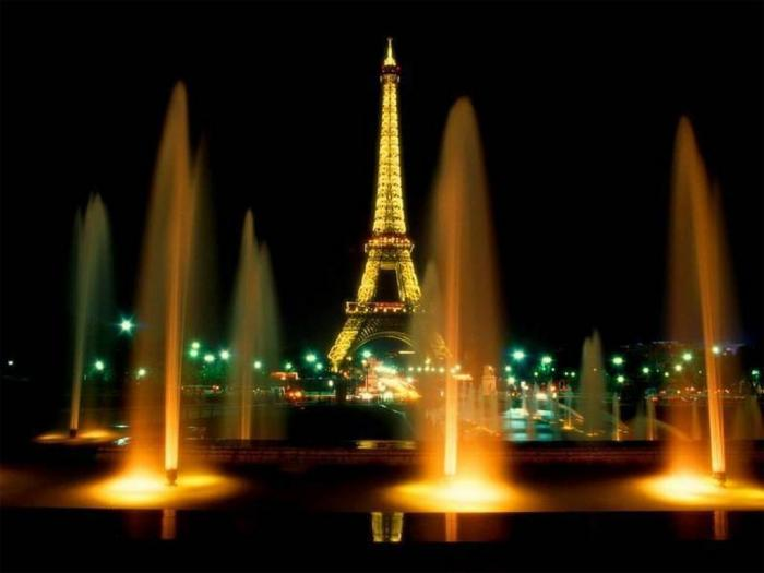 megan's photos - Paris at Night.jpg